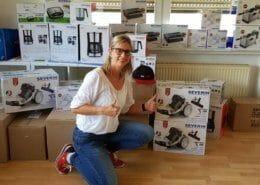 Frau Astrid Knieps bedankt sich für die Spende SEVERIN Produkte an eine Initiative im Ahrtal für Flutopfer